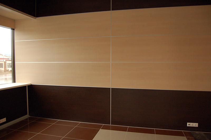 Приклеенные стеновые панели