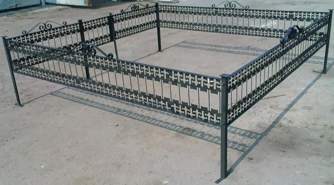 Как установить ограду на могилу своими руками