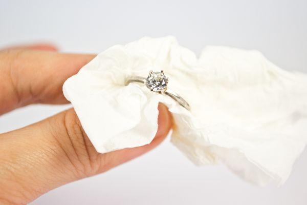 как чистить серебро дома