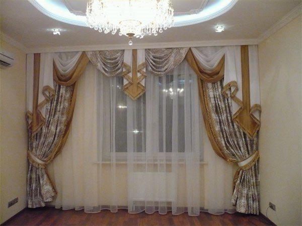 Бамбуковые шторы рулонные на дверной проем и на окна, как повесить вертикальные занавески жалюзи из соломки на балконную дверь в интерьере кухни