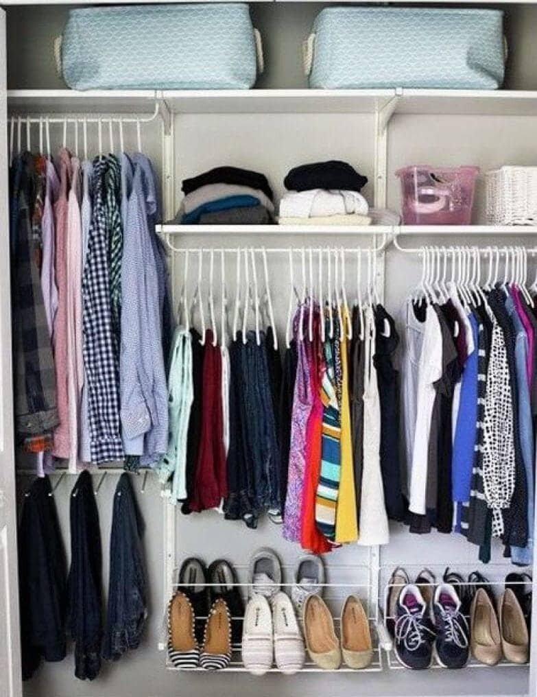 Как складывать вещи: полезные лайфхаки по организации места в шкафу