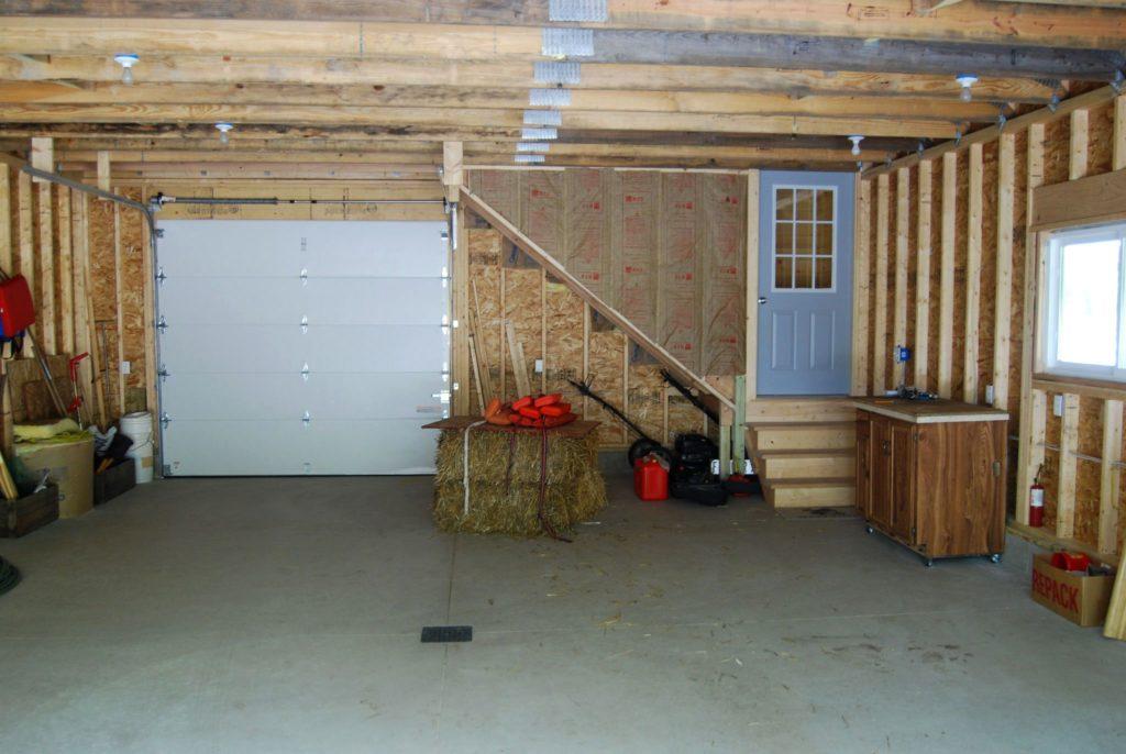 Как жить в гараже (видео)