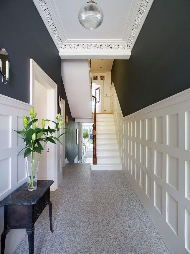 Дизайн прихожей в частном доме (104 фото): отделка и идеи оформления интерьера маленькой прихожей с лестницей 2020