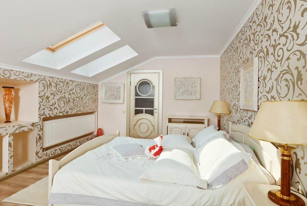Цвета натяжных потолков (58 фото): цветные потолочные покрытия, изделия разных расцветок в интерьере, цветовая гамма натяжных потолков