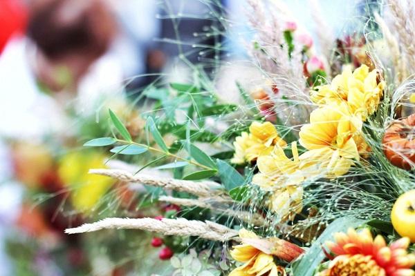 Осенний букет своими руками для детского сада — цветы букеты
