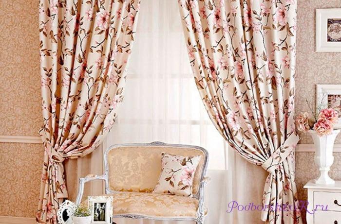 шторы в маленький зал фото