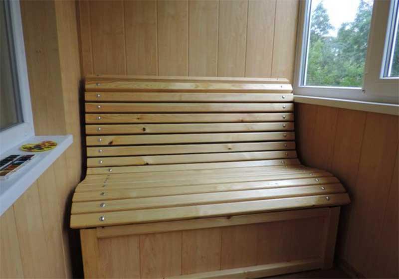 Как сделать столик на балконе для комфортной работы и отдыха