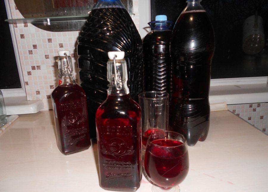 Вторичное вино из мезги винограда: рецепт, как сделать в домашних условиях повторный красный и белый напиток, и долго ли держать на жмыхе, сколько он должен бродить?