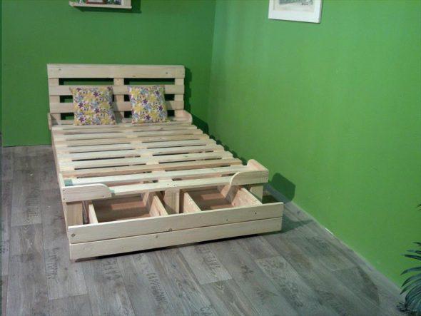 Кровать из поддонов: стильное решение своими руками