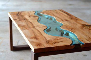 Как сделать стол из эпоксидной смолы своими руками?