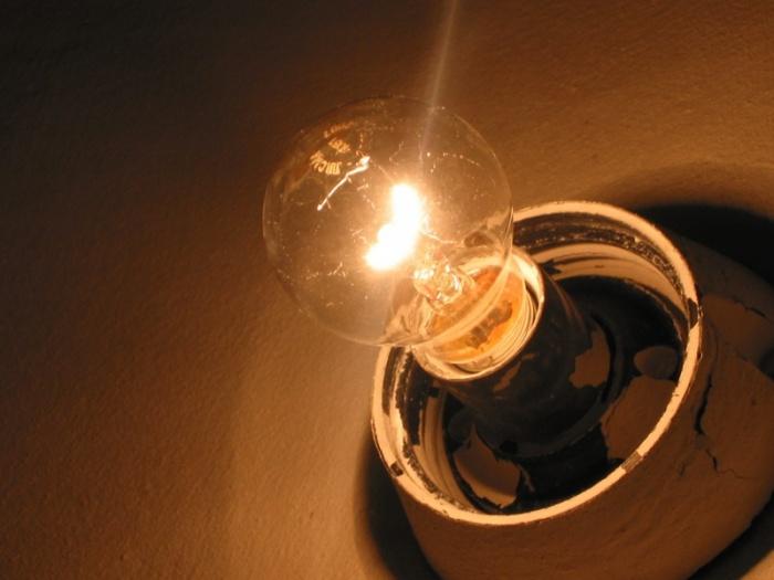 моргает свет в квартире причина