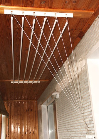 Какой вид сушилки для белья выбрать на балкон: фото типов сушилок на балкон для белья и их характеристики