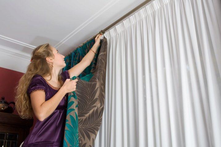 Выбираем гардины для штор в спальню