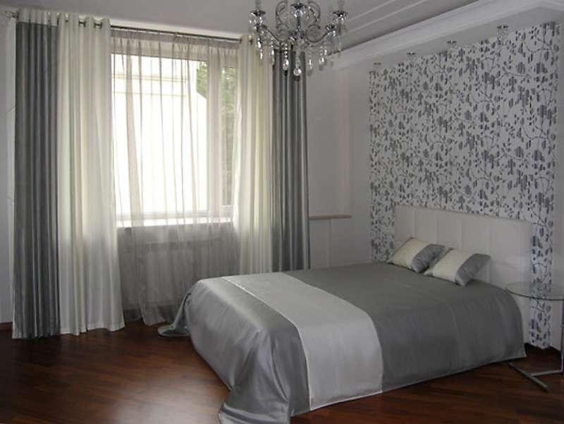 комплект штор и покрывало для спальни фото