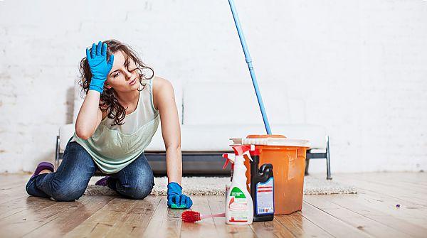 Можно ли мыть ламинат пылесосом или пароочистителем: правила уборки, советы