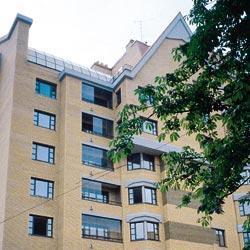 Безрамное остекление балконов и лоджий: особенности технологии