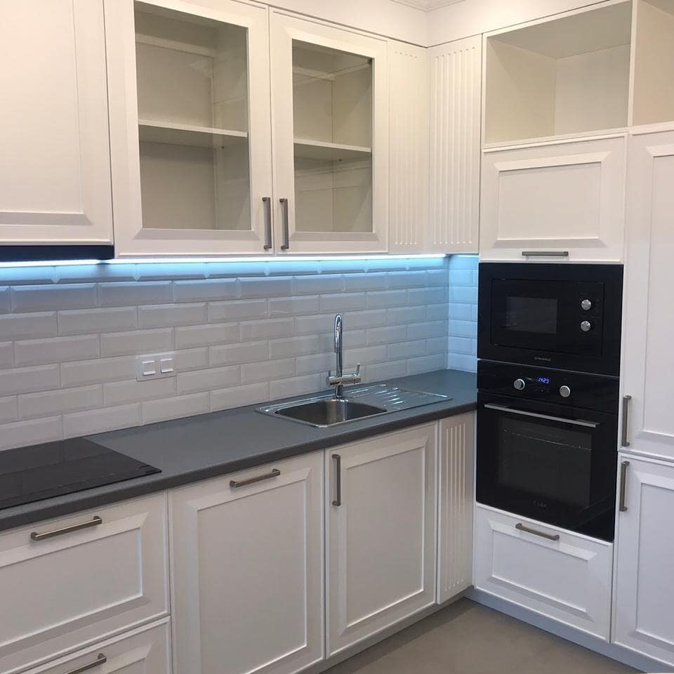 Белая кухня в классическом стиле с нуля (100 фото)