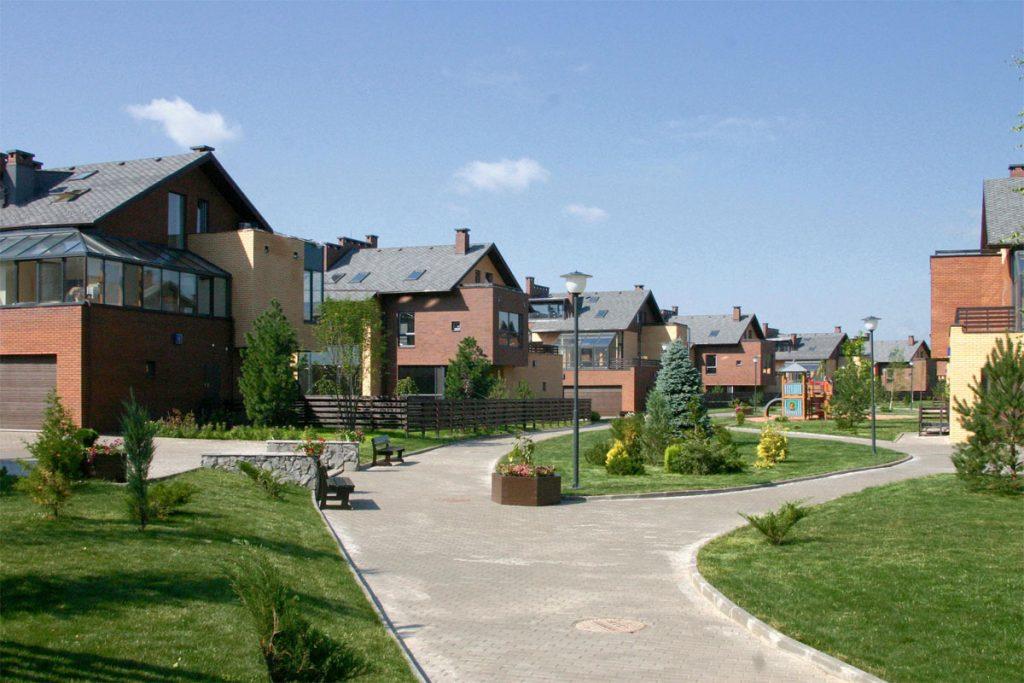 Жизнь в деревне: плюсы и минусы, быт и условия