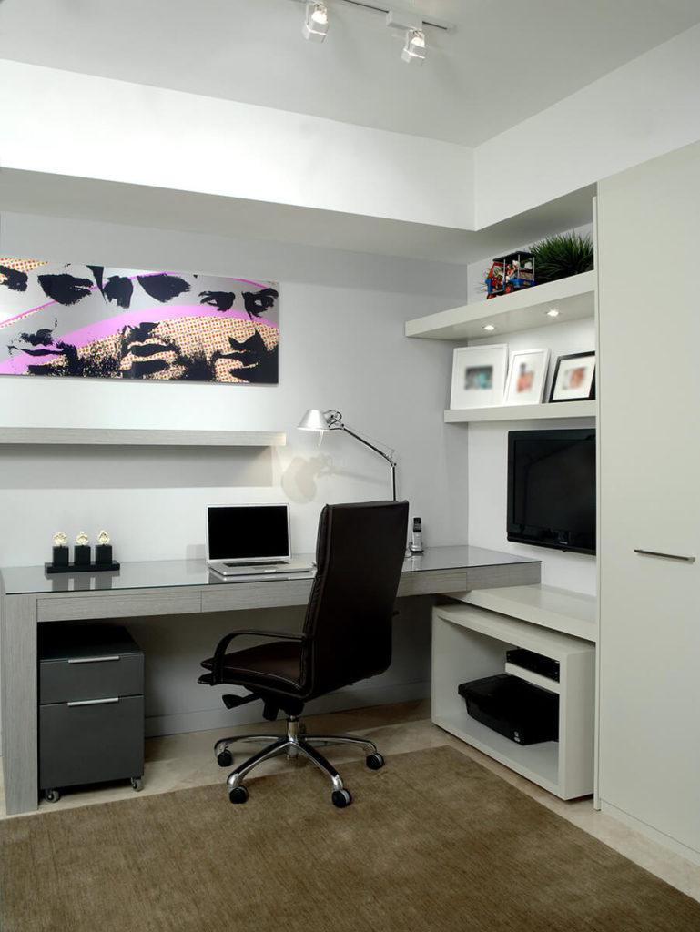 Дизайнерские компьютерные столы - особенности / фото