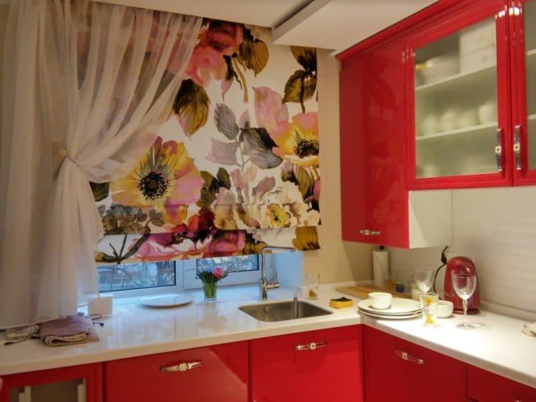 Шторы для кухни: 80 фото реальных интерьеров