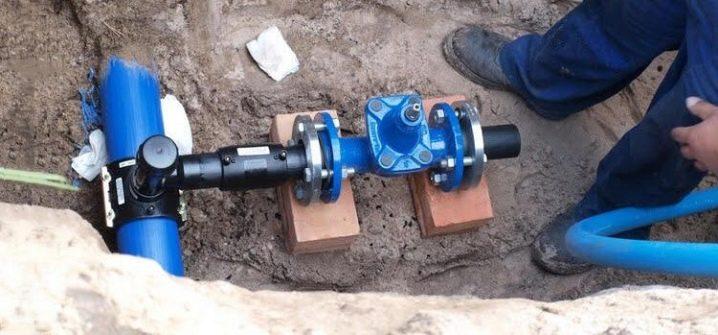 Врезка в трубу водопровода: варианты и этапы процедуры