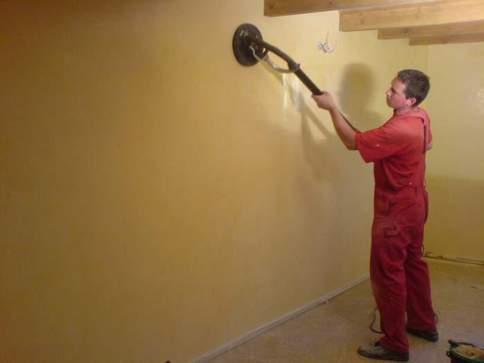 Шлифовка стен после шпаклевки: ошкуривание, затирка, зачистка