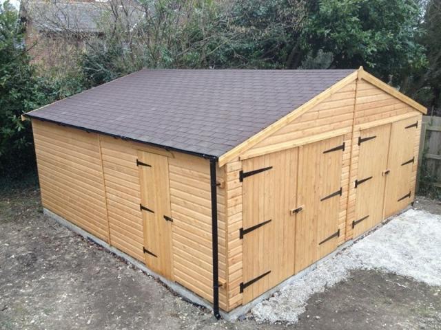 Строим гараж из досок своими руками: поэтапно с фото