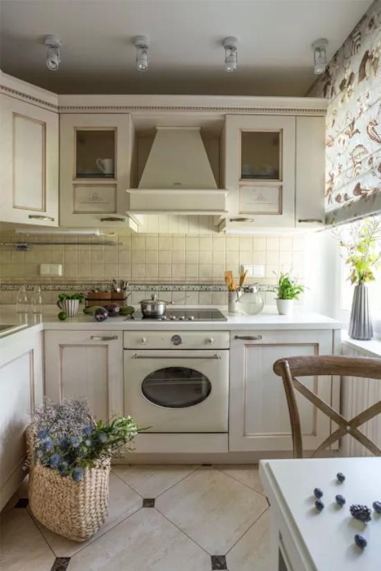Дизайн кухни в классическом стиле, реальные фото.