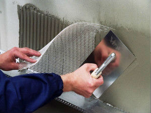 Штукатурная сетка из стекловолокна: плюсы и минусы применения