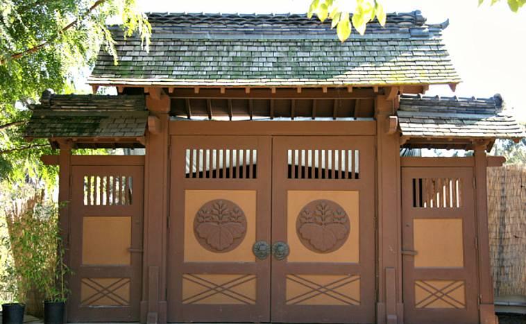 Ворота для частного дома: красивые и современные варианты конструкций, рекомендации специалистов