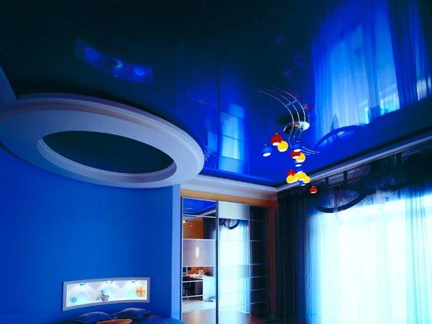Натяжные потолки – цветовая гамма: принципы выбора цвета потолочного покрытия
