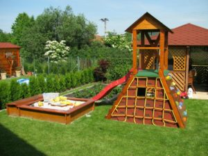 Детская площадка на даче. подробный гид потрясающих идей - детки на даче