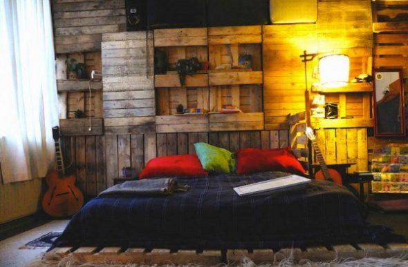 Кровать из поддонов: делаем своими руками пошагово, фото в интерьере