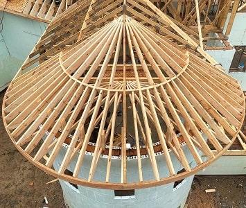 Фальцевая крыша: особенности и правила монтажа