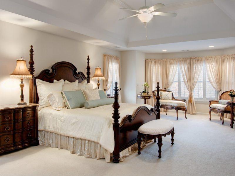 Люстра в интерьере спальни - 71 фото пример