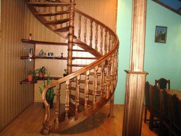 Как сделать деревянную лестницу на второй этаж своими руками