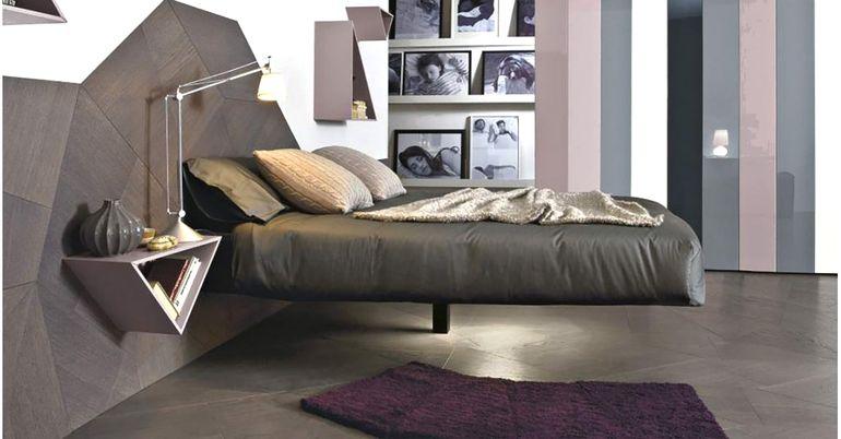 левитирующая кровать