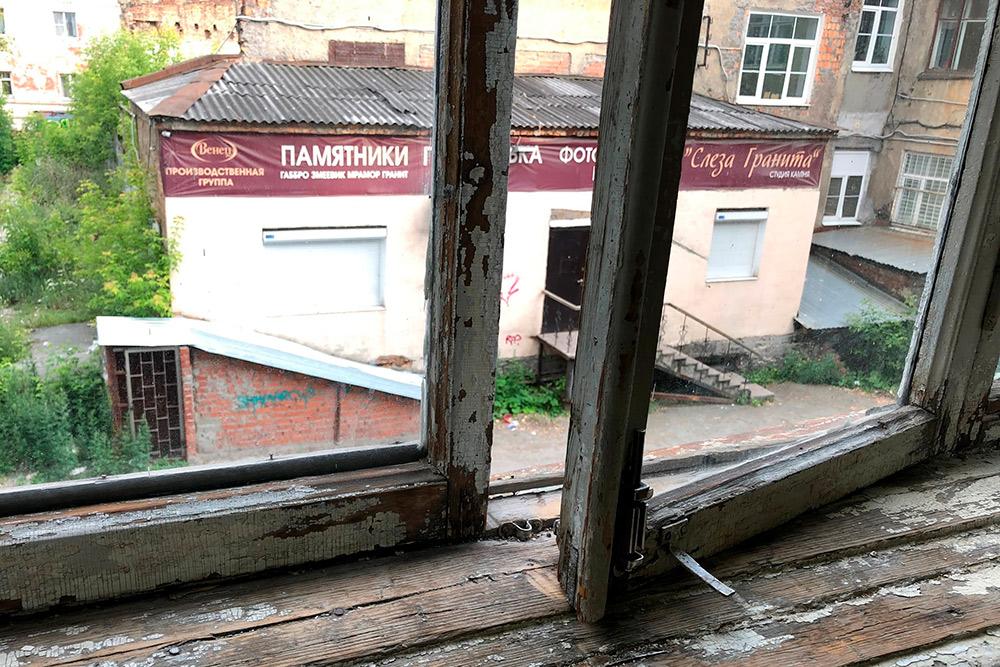 Куда должны выходить окна в квартире: север, юг, запад, восток