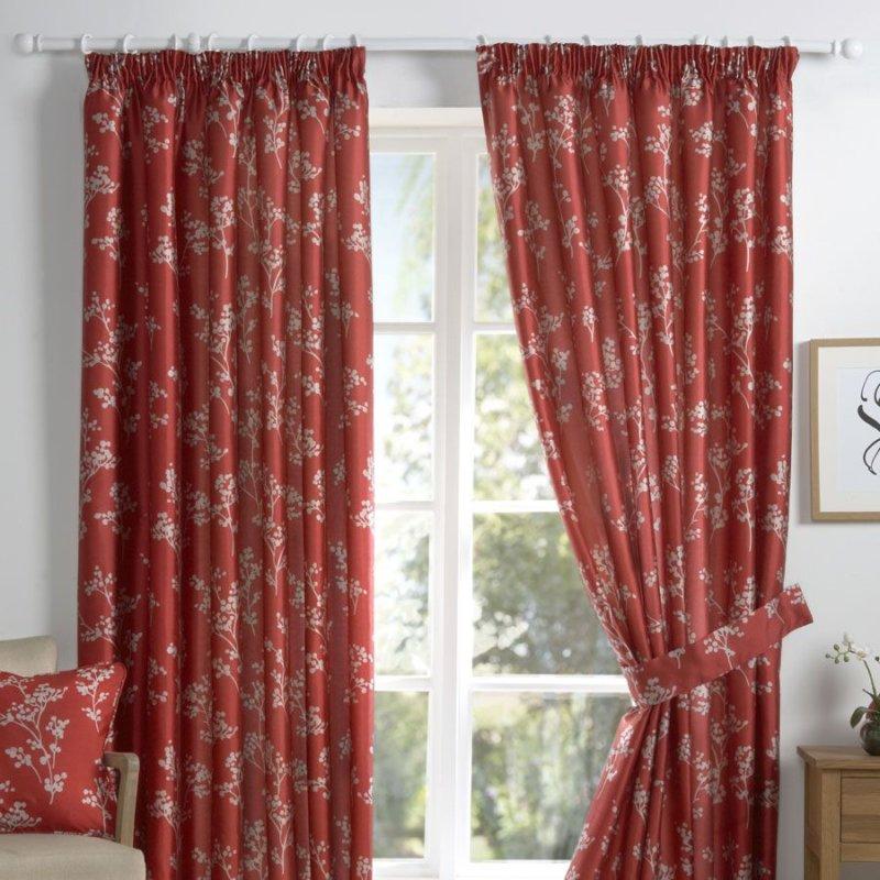 Красные занавески. красные шторы — достоинства и недостатки, яркие оттенки и комбинации с другими расцветками в интерьере (87 фото). красные занавески в интерьере: как правильно