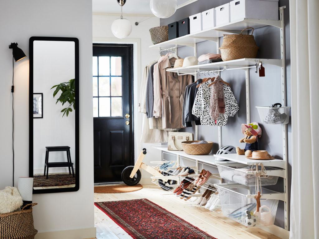 Двери для гардеробной: 30 фото иописание современных конструкций