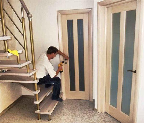 Установка межкомнатной двери под ключ своими руками