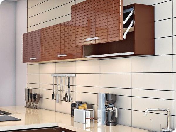 Кухни с крашенными фасадами: преимущества и недостатки, нюансы эксплуатации