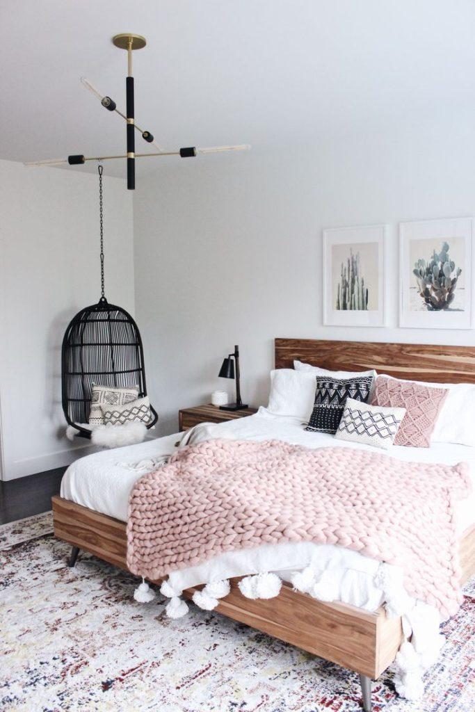 Ковер в спальню (56 фото): небольшой овальный коврик на пол для классического стиля интерьера