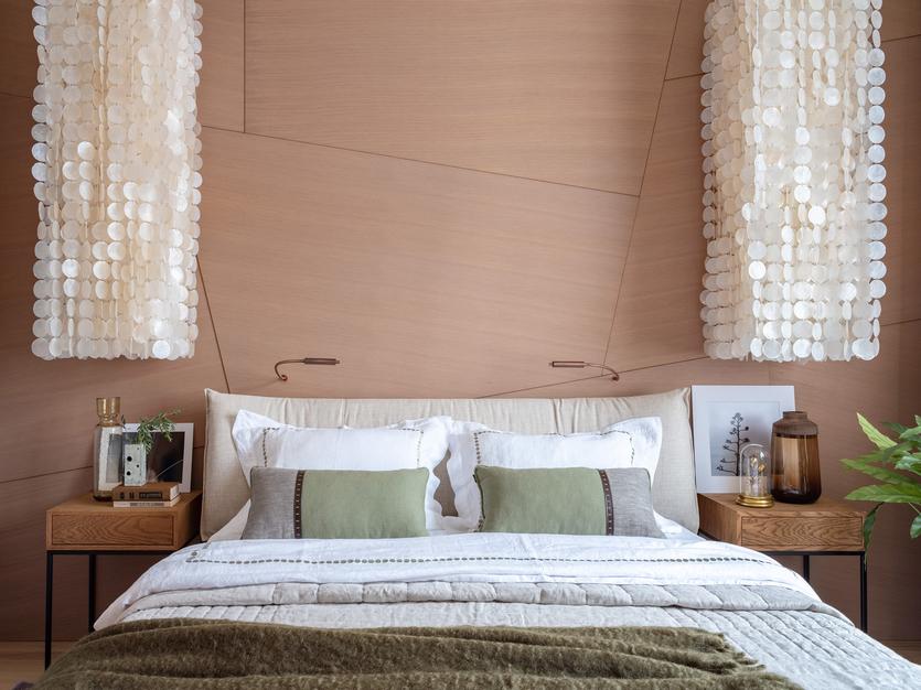Дизайн и оформление вытянутой спальни - создаём комфортное пространство в узкой комнате (+60 фотоидей)