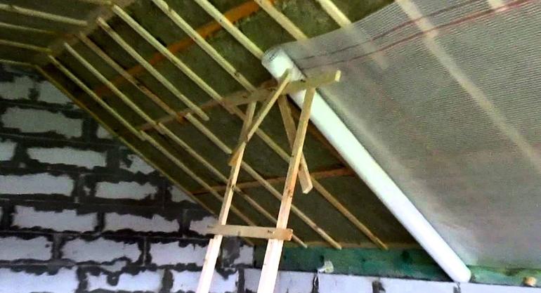 Утепление кровли мансарды изнутри: что делать, если крыша уже покрыта