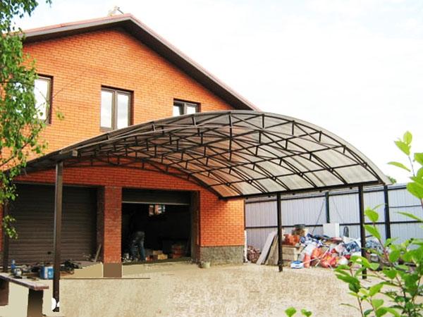 Навесы к дому (50 фото): проекты пристроенных навесов. как сделать их своими руками быстро и дешево на даче? виды навесов-пристроек