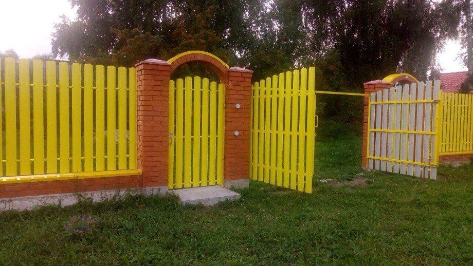 Металлический штакетник для забора, цена. купить металлический штакетник в москве. - profil-stroy.ru