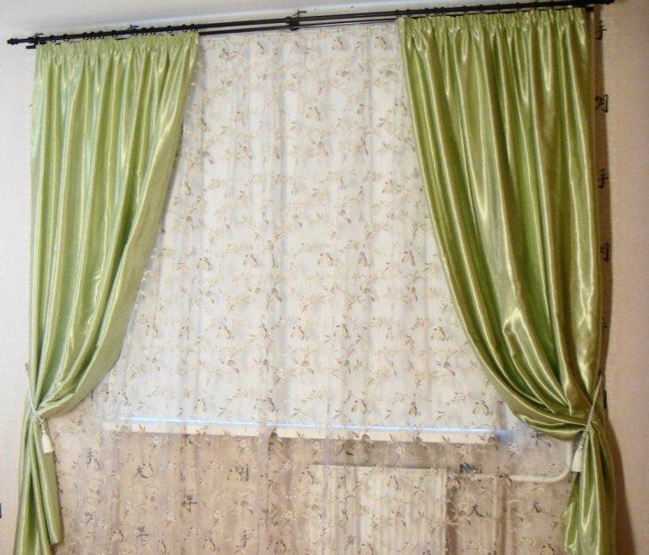 Шторы в бежевую спальню (33 фото): обои бежевого цвета и шторы коричневых тонов, другие идеи