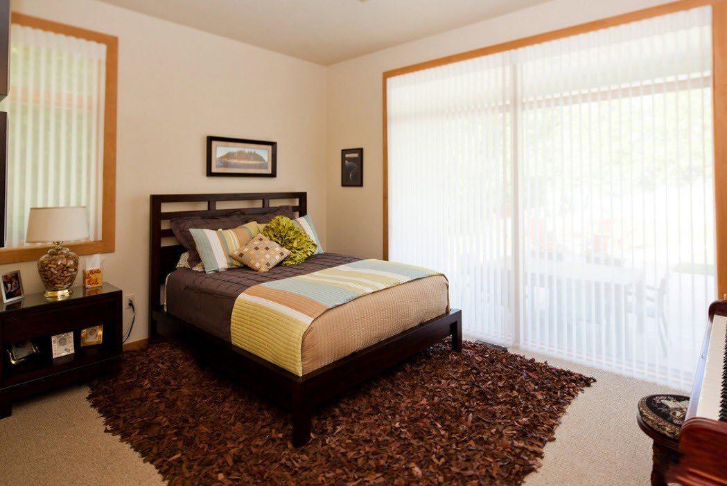 Как выбрать прикроватные классические коврики для спальни