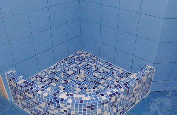 Мозаика на пол в ванной: разновидности и монтаж плитки мозаики в ванной комнате